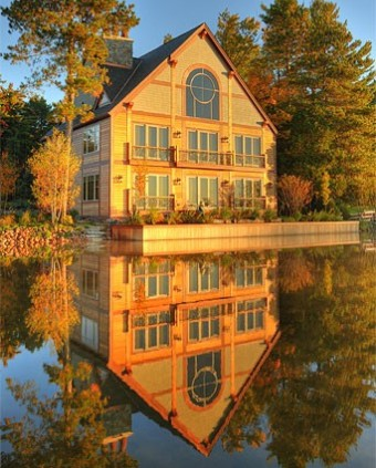 Timber Frame Hybrid on a Lake