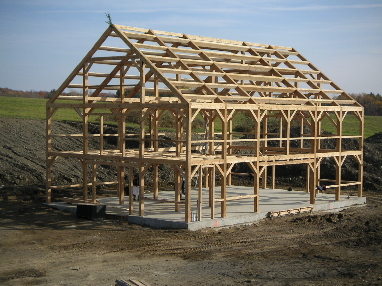 Post beam barn traditional joinery for Barn frame homes