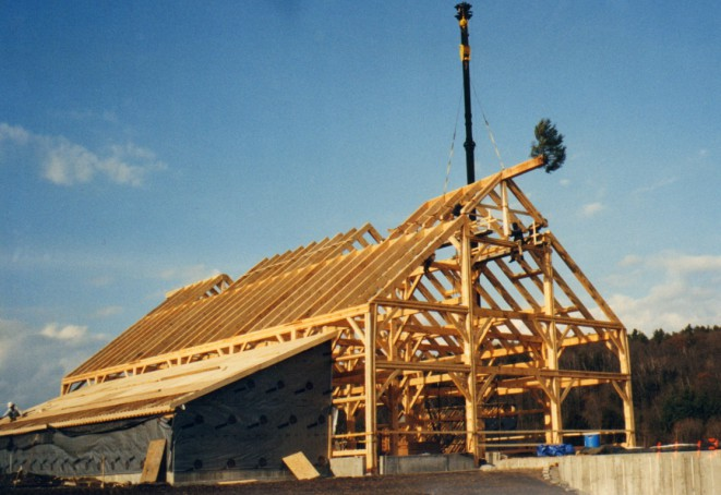Setting the Last Timber Seciton of the Post & Beam Welcome Center