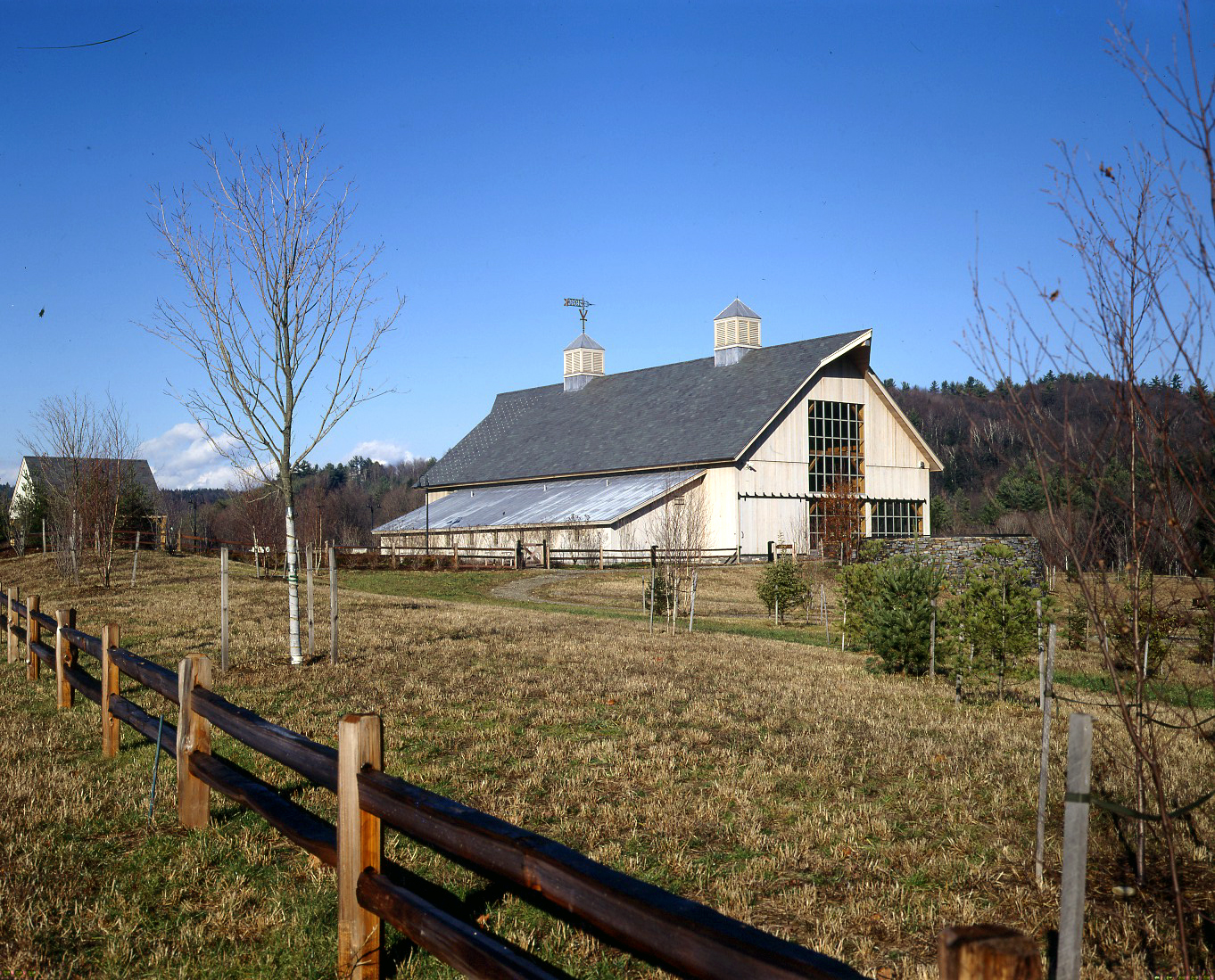 Southeastern Vt Welcome Center Hand Hewn Timber Frame Barn