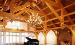 hotels-trapp-family-lodge-beams-area