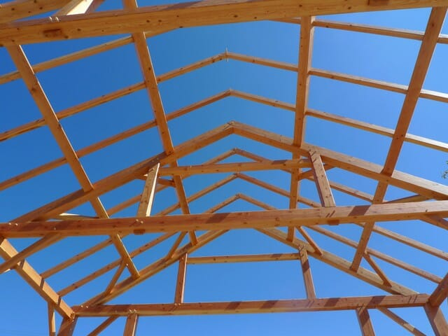 Queen Post Trusses in Sunny 95 Restaurant