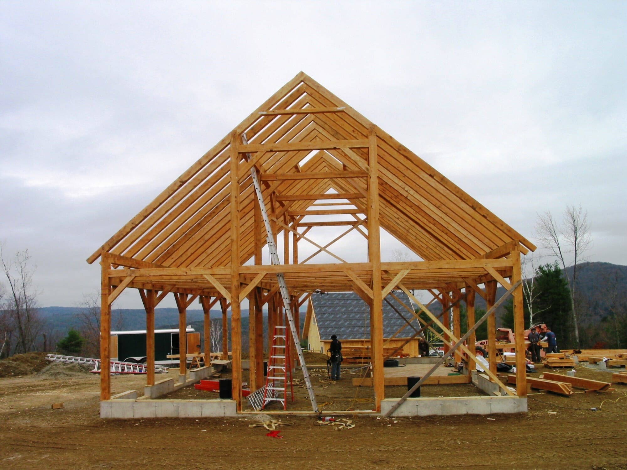 Cool timber frame horse barn for Barn designs
