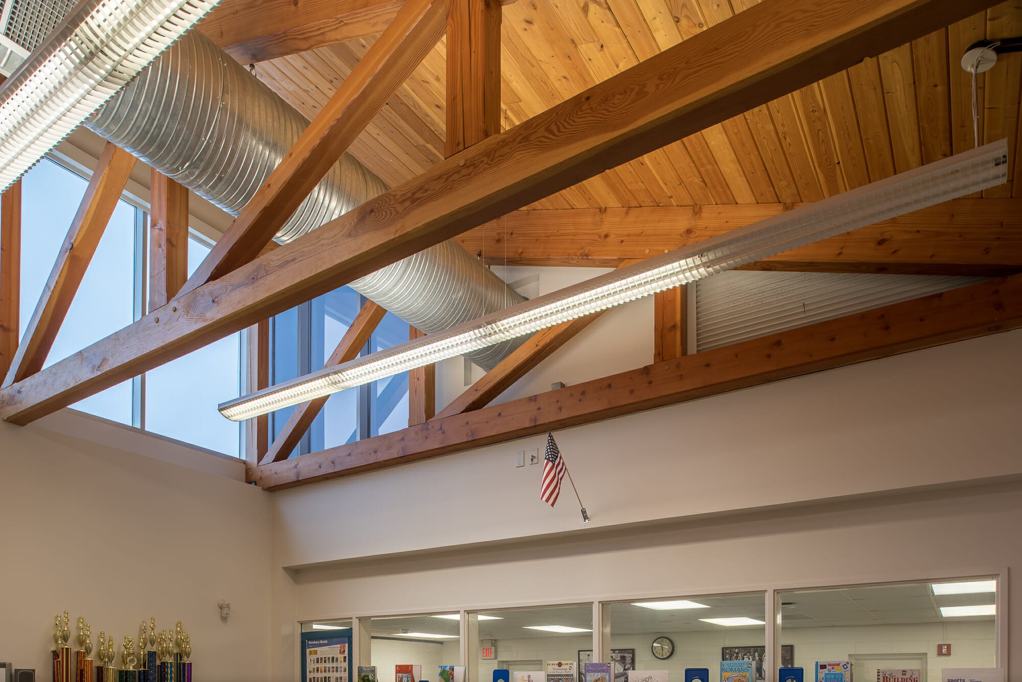 Custom roof trusses handcrafted in vermont for Custom roof trusses