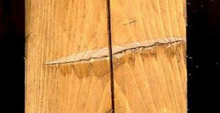 Example of a Check or long crack in a beam