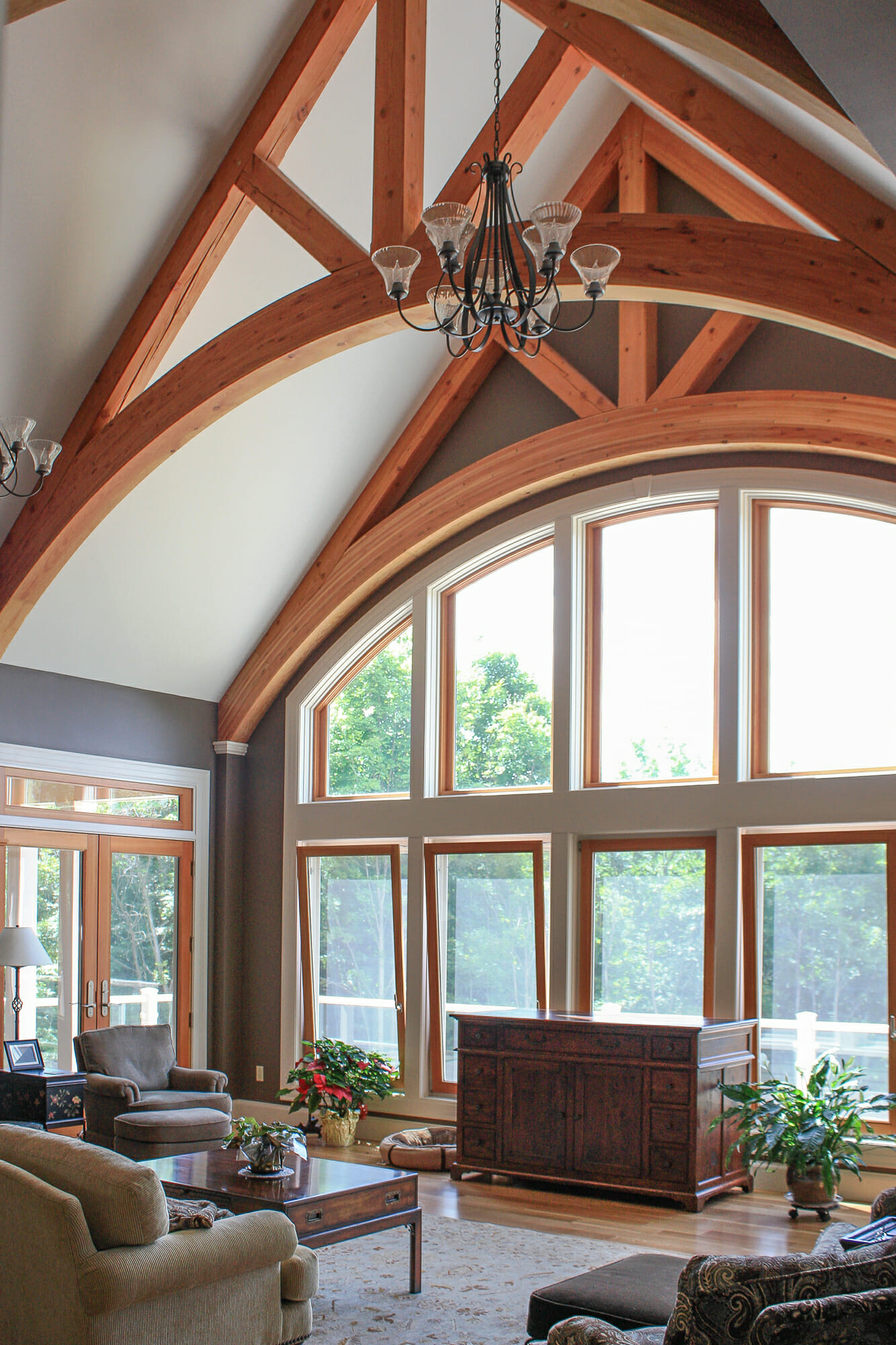 Great Room with Arched Trusses in Daignault Residence