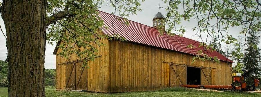 Exterior of Traditional Oak Bank Barn