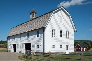 Gambrel roof barn